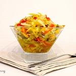 Салат из огурцов, моркови и сладкого перца