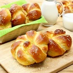Сдобные булочки с кунжутом