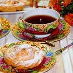 Заварное пирожное с вишнево-творожным кремом