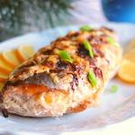 Голец, фаршированный креветками и сыром
