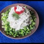 Мясной салат с яблоком