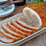 Курица со свининой, грибами и фасолью