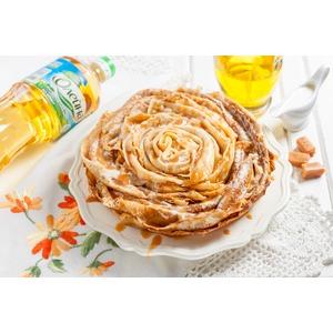 Блинный торт с карамельным соусом
