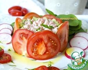 Рецепт: Тартар из авокадо в помидорном кольце
