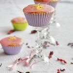 Гибискусовые кексы с цветочной глазурью