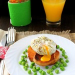 Яйцо-пашот в горошек