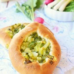 Открытые пирожки с картофелем и зеленью