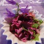 Салат с маринованной свеклой и рисом