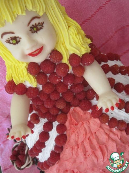 "Торт ""Кукла-ягодка"""