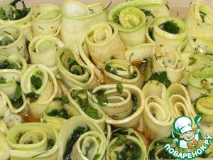 Рецепт: Рулетики из кабачков в чесночно-медовом соусе