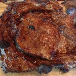 Глянцевый стейк из говядины