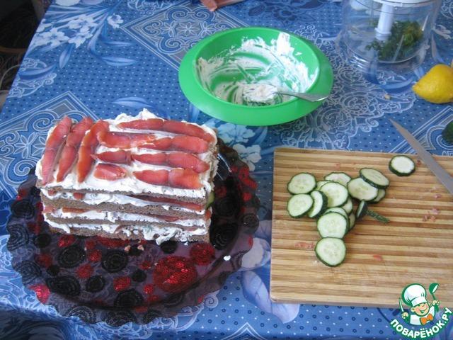 Бутербродный торт с рыбой фото