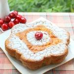 Нежный бисквитный пирог с черешней