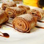Блинчики с шоколадно-малиновым соусом