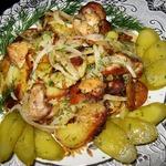 Ароматный жареный картофель с курицей