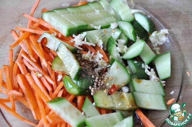 салат огурцы кальмарами Китайский с