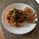 Тушёная рыба с нутом и томатами