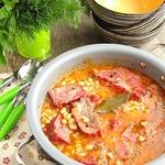 Фасоль с копченой свининой по-румынски