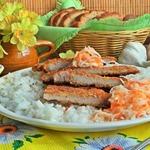 Отбивные в хрустящей корочке с рисом