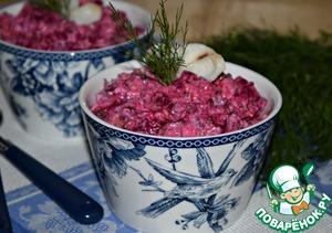"""Рецепт: Салат со свеклой и рыбой """"Зимний"""""""