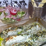 Рыба фаршированная шпинатом в сметане