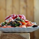 Салат из баклажанов с копченой рыбой