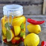 Маринованные лимоны с чили