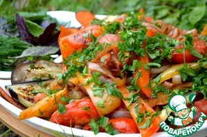 Рецепт: Теплый салат к шашлыку