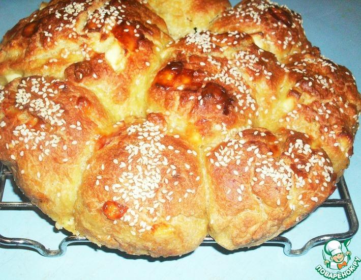 Рецепт: Турецкие сырные булочки с кунжутом
