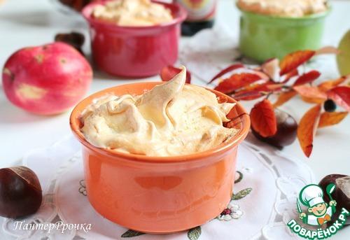 Яблочный пудинг с меренгой