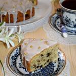 Простой пирог с черносливом и орехами