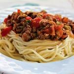 Спагетти болоньезе с овощами по-домашнему