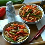 Спагетти с пикантными овощами