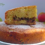 Яблочный пирог с изюмом и пряностями