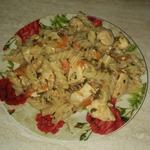 Паста с курицей, овощами и базиликом