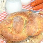 Отрубной хлеб с морковью и арахисом