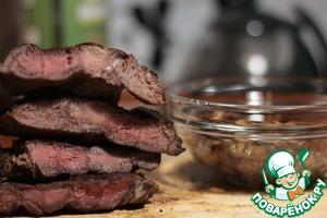 Рецепт: Стейки из говядины в чайном маринаде