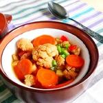 Капустный суп с индейкой в горшочке