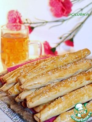 Рецепт: Закусочные сдобные сигары с колбасой