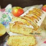 Влажный кекс с яблоками и кунжутом