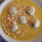 Суп фасолевый с луковыми клецками