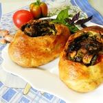 Итальянский хлеб с помидорами и базиликом