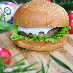 Фишбургер с дипом из редиса