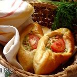 Открытые пирожки с картофелем и сардельками