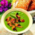 Зелёный суп-пюре с шампиньонами