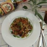 Теплый овощной салат с маринованными грибами