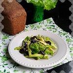 Салат с авокадо и семенами льна