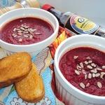 Свекольный крем-суп с гренками