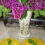 Десерт из манго и апельсина с мятой