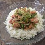 Красная рыба с огурцом и рисом